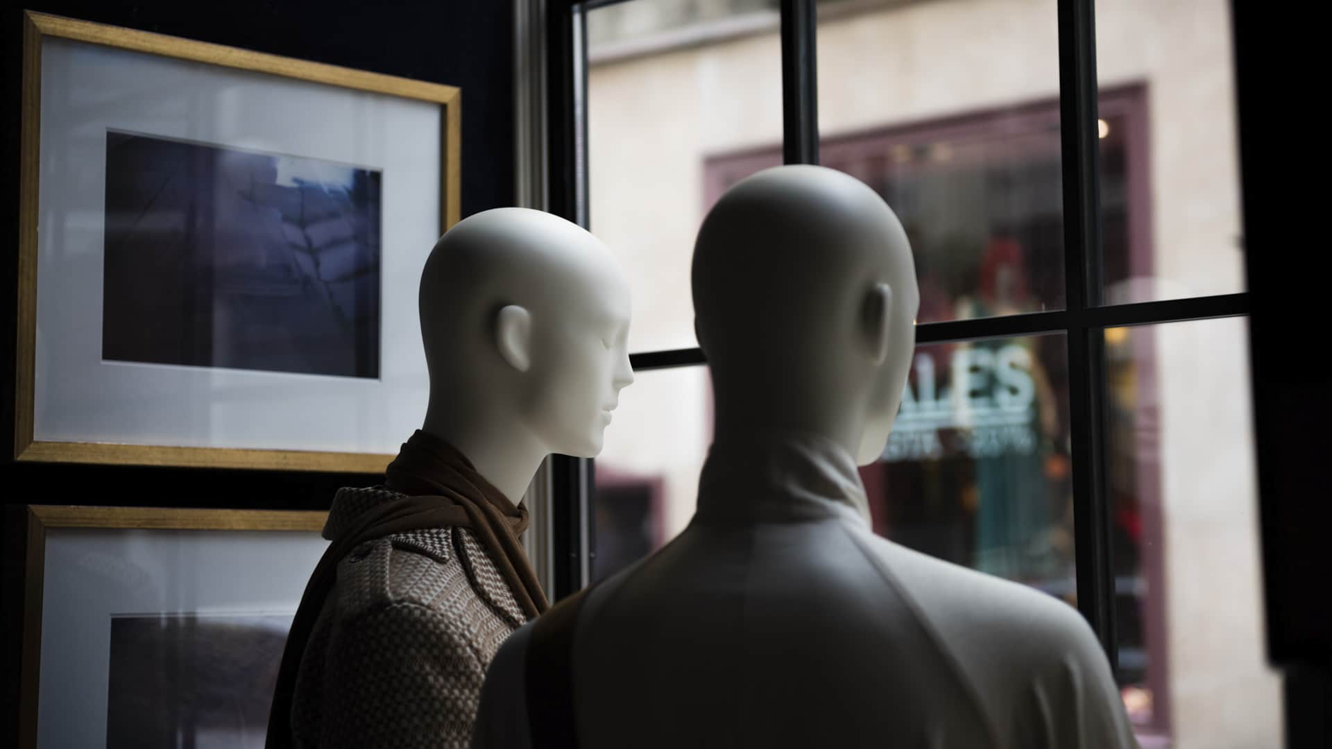 Abstract mannequins spanish designers