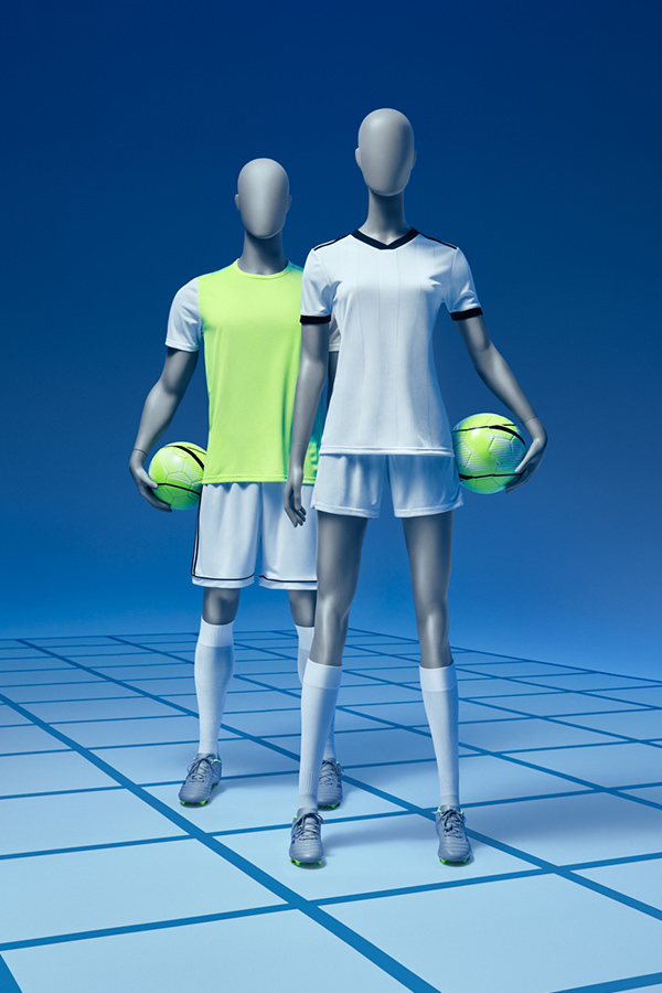 football-male-female-mannequins