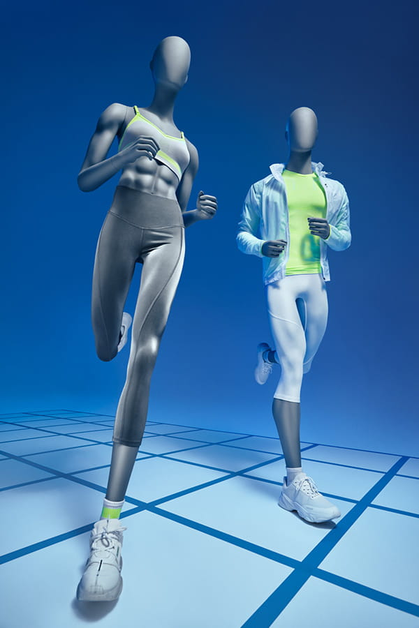 running-mannequins