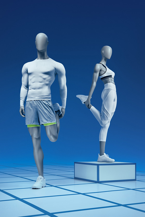 stretching-mannequins-Olympia-Invictus